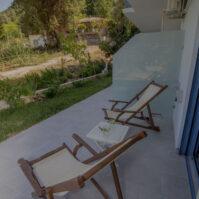Courtyard-Akrotiri-Hotel-Vasiliki-Lefkada-08