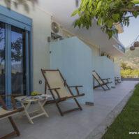 Courtyard-Akrotiri-Hotel-Vasiliki-Lefkada-14